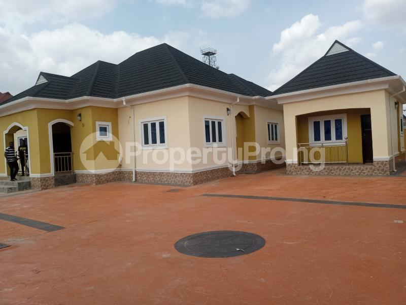 3 bedroom Detached Bungalow House for rent Located along Trademore estate Lugbe Abuja - 0