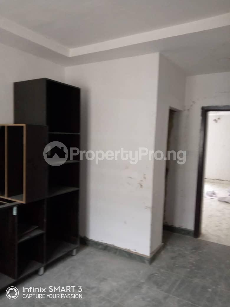 3 bedroom Blocks of Flats House for rent Adekunle Yaba Lagos - 2