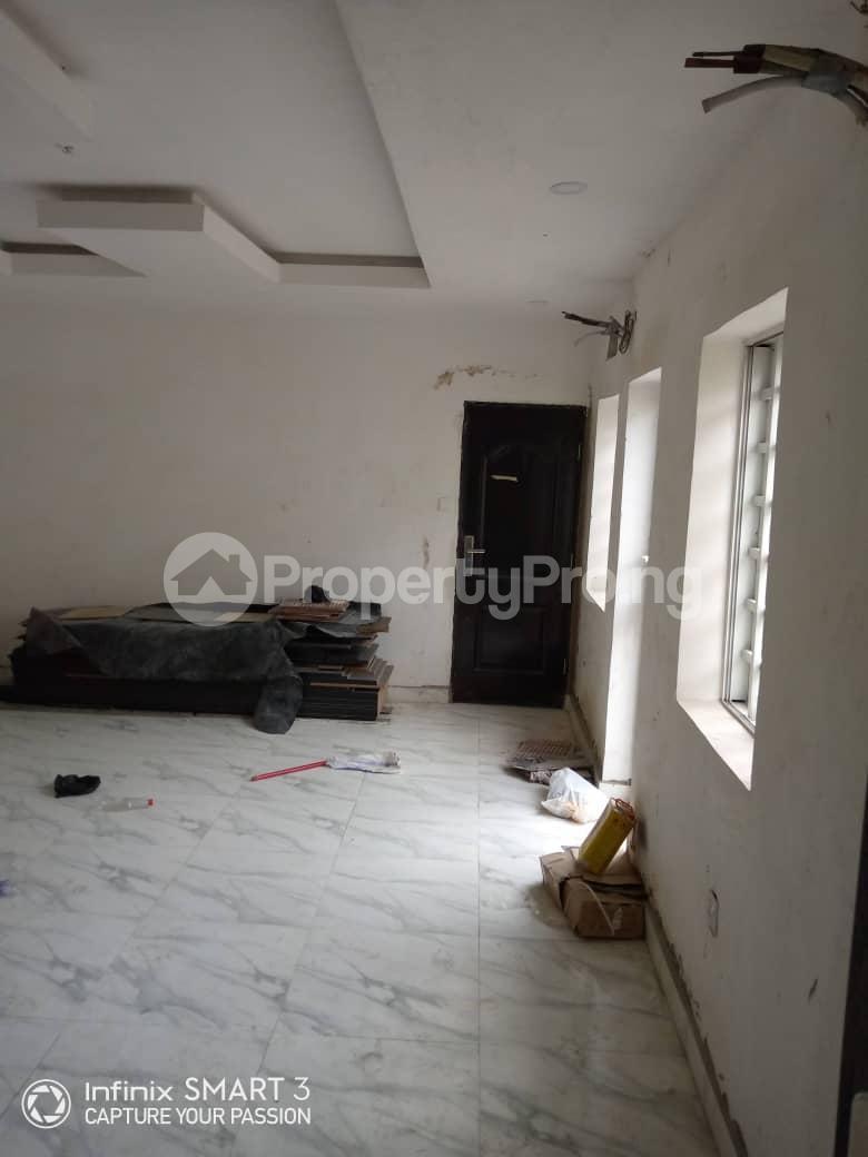 3 bedroom Blocks of Flats House for rent Adekunle Yaba Lagos - 0