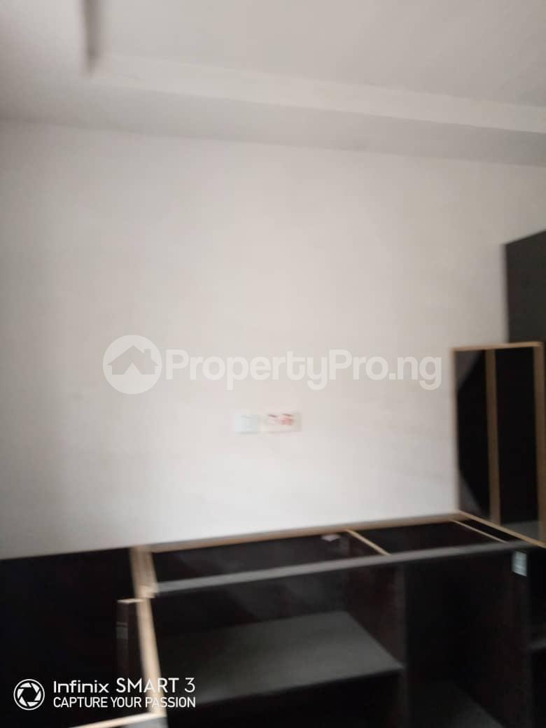 3 bedroom Blocks of Flats House for rent Adekunle Yaba Lagos - 3