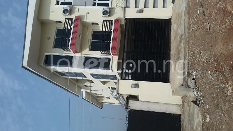 3 bedroom Flat / Apartment for sale Adekoya Street, Mende Estate. Maryland Ikeja Lagos - 2
