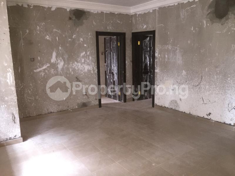 3 bedroom Flat / Apartment for rent Folagoro Road  Abule-Ijesha Yaba Lagos - 2