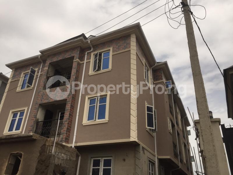 3 bedroom Flat / Apartment for rent Alaka  Abule-Ijesha Yaba Lagos - 0
