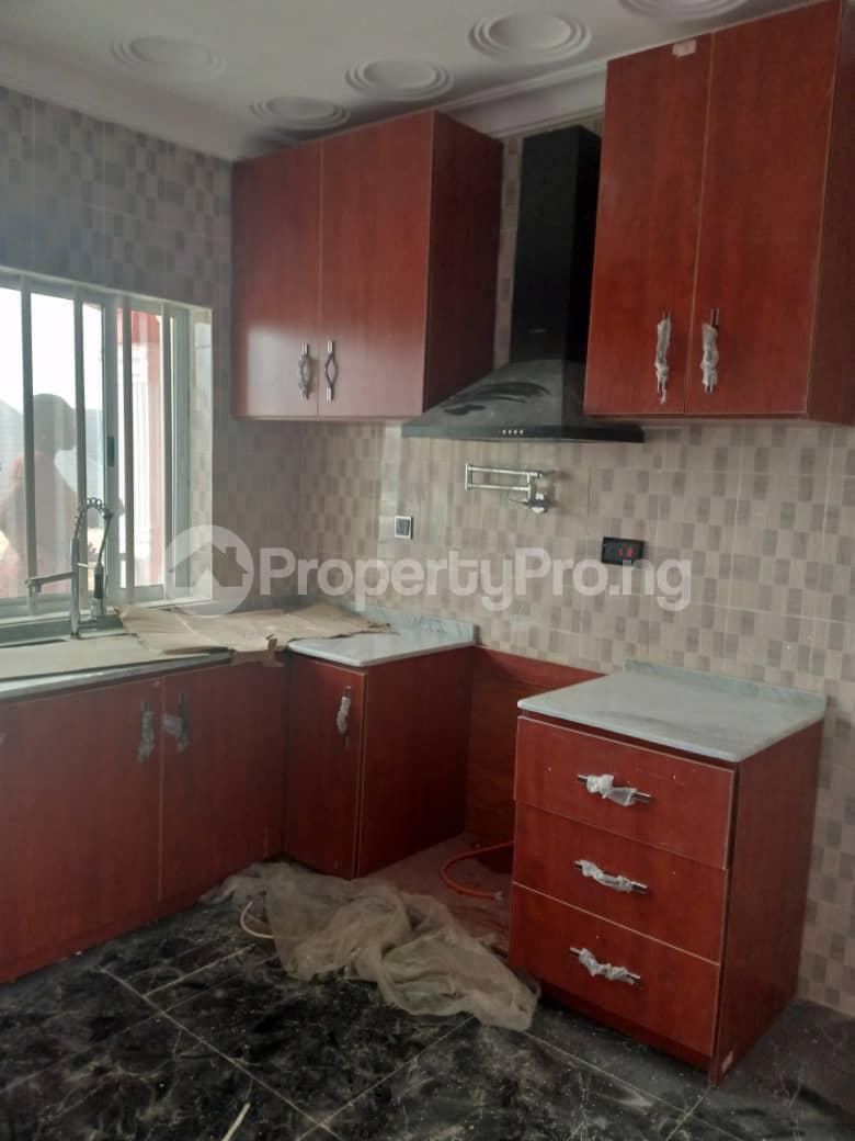 Flat / Apartment for rent Hassan block, Elebu. Oluyole Estate Ibadan Oyo - 2
