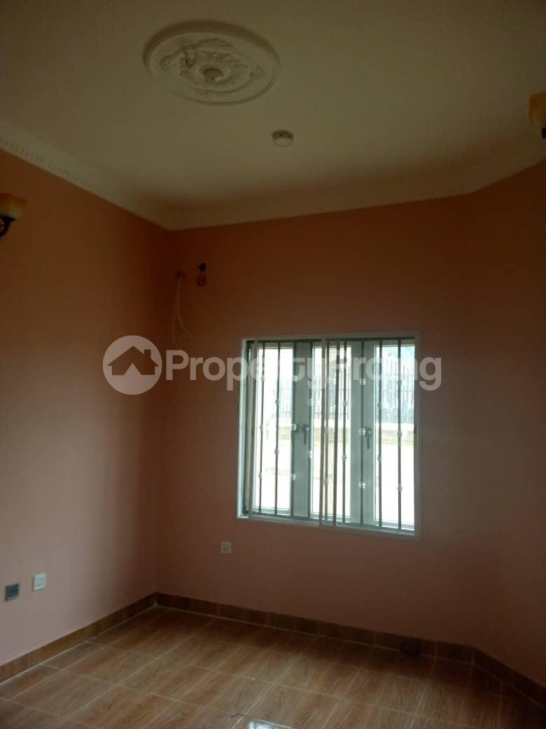 Flat / Apartment for rent Hassan block, Elebu. Oluyole Estate Ibadan Oyo - 6