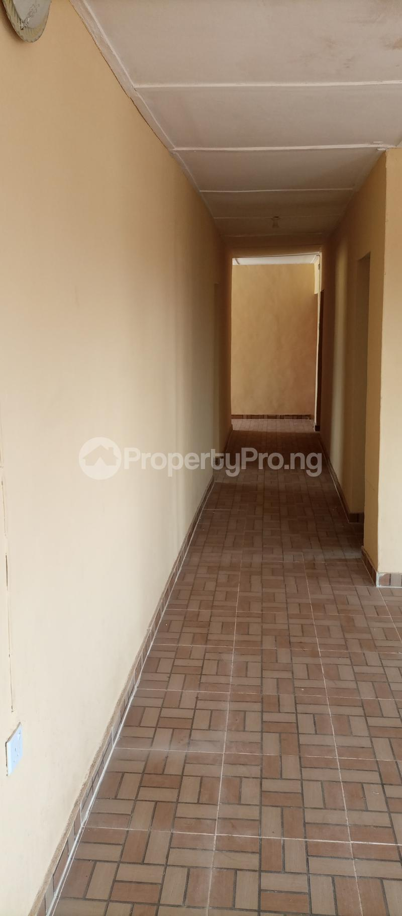 3 bedroom Flat / Apartment for rent Tekobo, Idi Aba Abeokuta Ogun State Idi Aba Abeokuta Ogun - 4