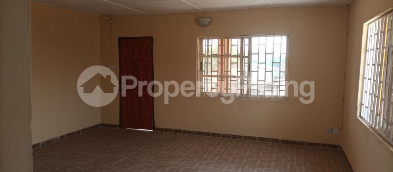 3 bedroom Flat / Apartment for rent Tekobo, Idi Aba Abeokuta Ogun State Idi Aba Abeokuta Ogun - 2