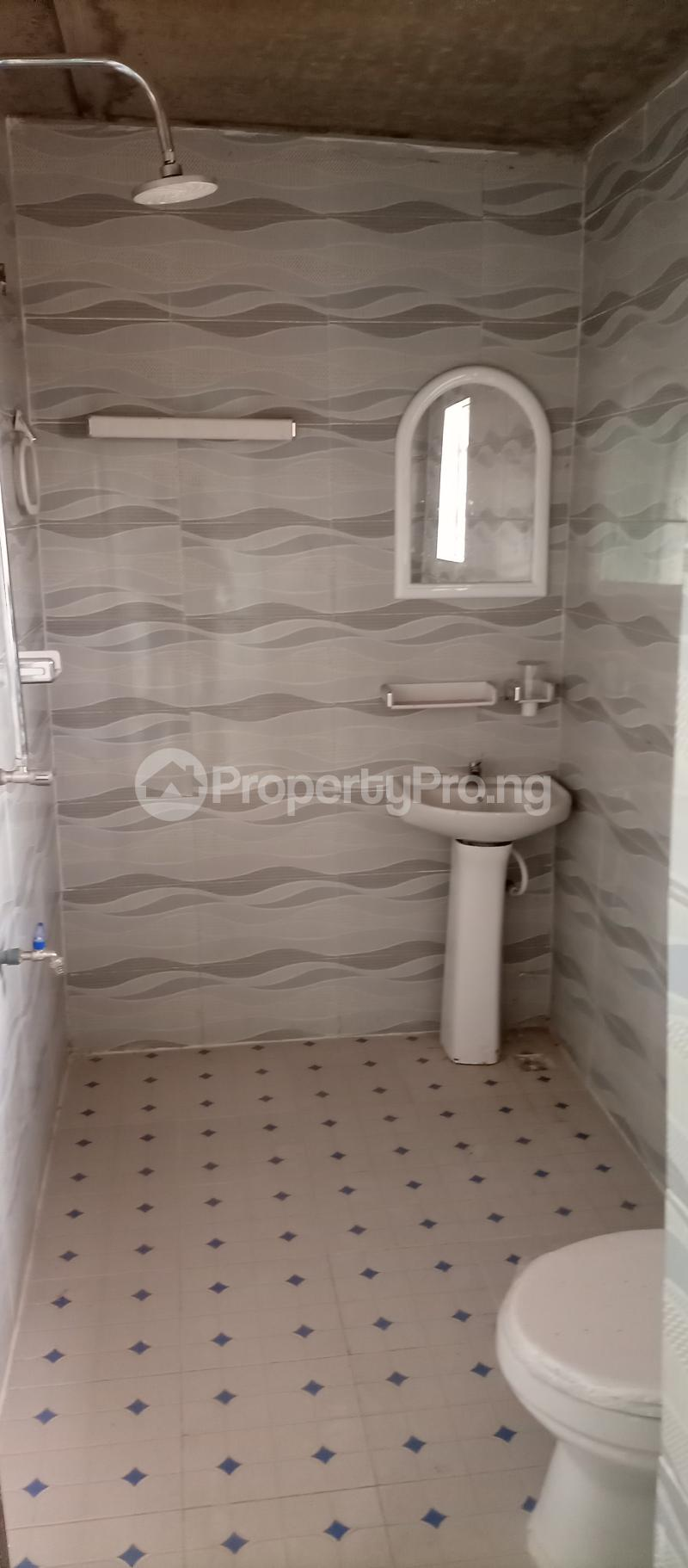 3 bedroom Flat / Apartment for rent Tekobo, Idi Aba Abeokuta Ogun State Idi Aba Abeokuta Ogun - 1
