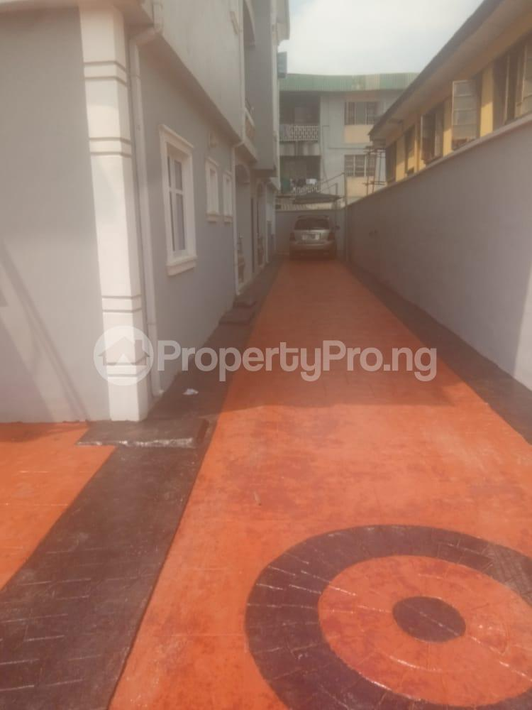 3 bedroom Flat / Apartment for rent By Fagbola street Shogunle Oshodi Lagos - 3