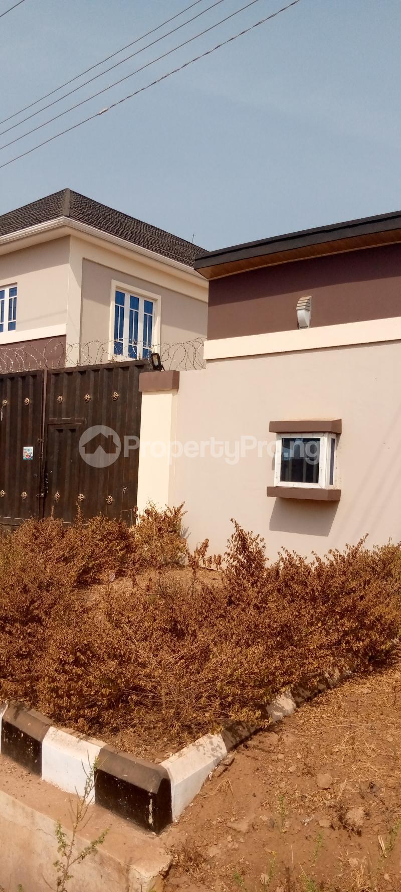 3 bedroom Mini flat Flat / Apartment for rent Independence Layout Enugu Enugu - 1