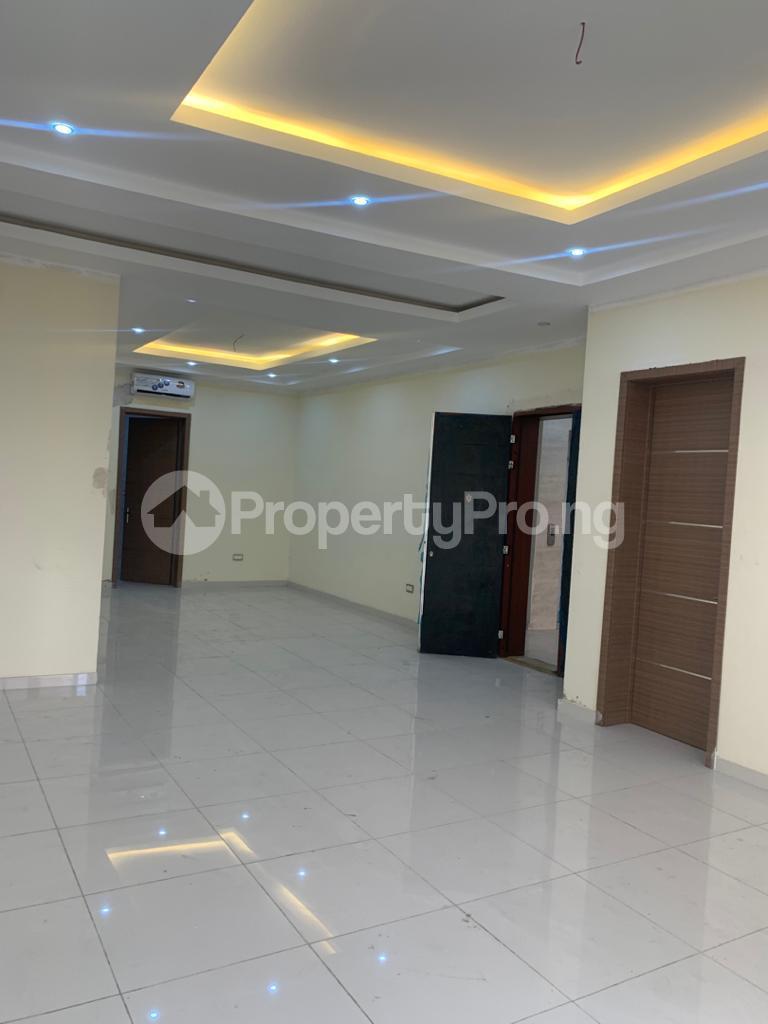 3 bedroom Flat / Apartment for rent Off Whitesand Road, Right Behind Elf Estate. Lekki Phase 1 Lekki Lagos - 0