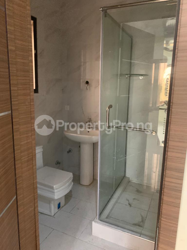 3 bedroom Flat / Apartment for rent Off Whitesand Road, Right Behind Elf Estate. Lekki Phase 1 Lekki Lagos - 1