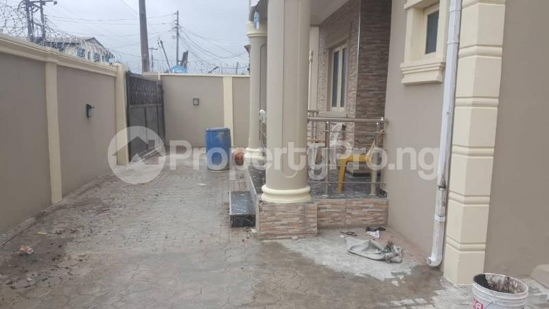 3 bedroom Shared Apartment Flat / Apartment for rent Abbi Street Mende Maryland Lagos - 0