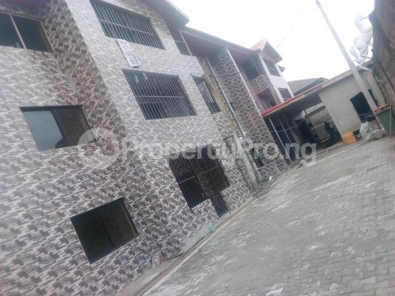 3 bedroom Shared Apartment for rent Peace Estate,aghai Street. Ago palace Okota Lagos - 0