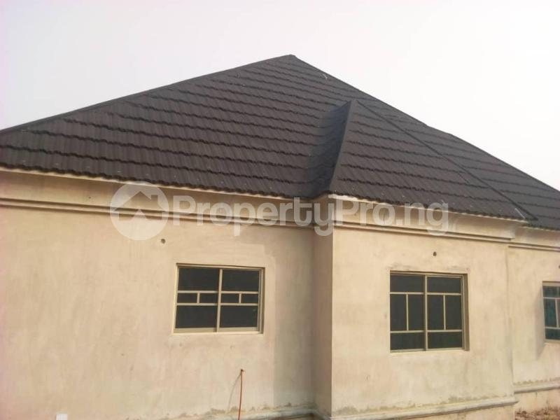 3 bedroom Detached Bungalow House for sale Ologuneru  Eleyele Ibadan Oyo - 3