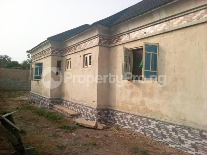 3 bedroom Detached Bungalow House for sale Ologuneru  Eleyele Ibadan Oyo - 2