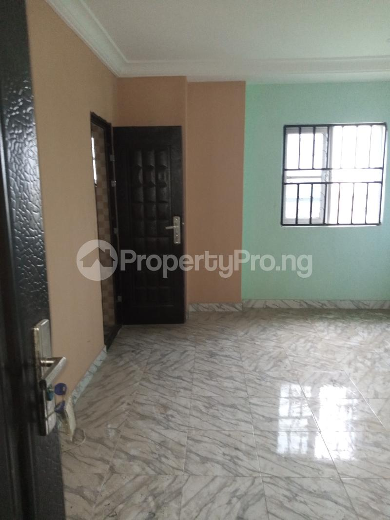3 bedroom Studio Apartment Flat / Apartment for rent Palace way estate  Ago palace Okota Lagos - 3
