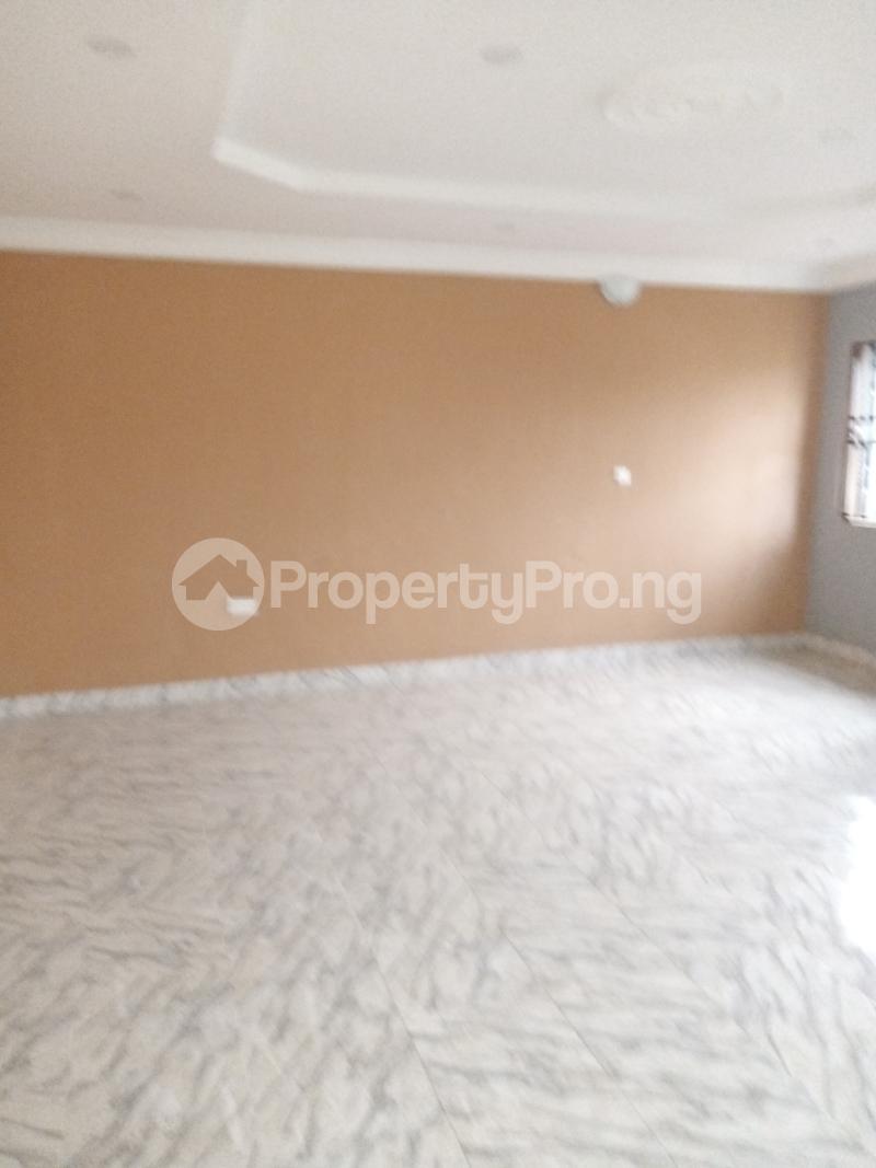 3 bedroom Studio Apartment Flat / Apartment for rent Palace way estate  Ago palace Okota Lagos - 4