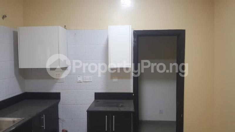 3 bedroom Flat / Apartment for rent  off Adekayode Street, ArowojobeEstate Mende Maryland Lagos - 6