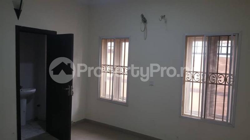 3 bedroom Flat / Apartment for rent  off Adekayode Street, ArowojobeEstate Mende Maryland Lagos - 11