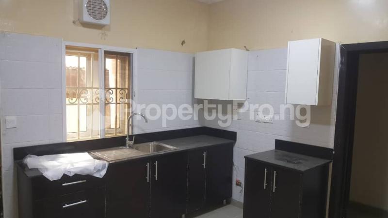 3 bedroom Flat / Apartment for rent  off Adekayode Street, ArowojobeEstate Mende Maryland Lagos - 8