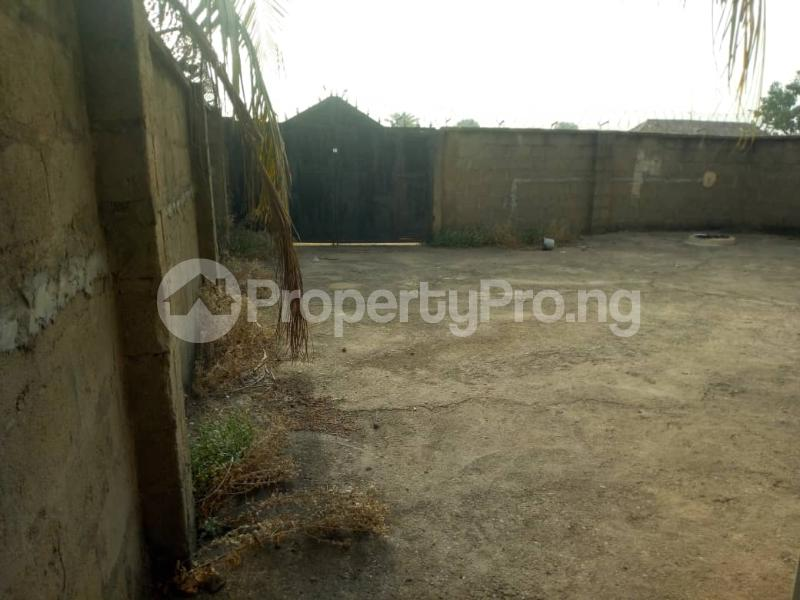 3 bedroom Detached Bungalow for sale Back Of Modern Market Makurdi Benue - 4