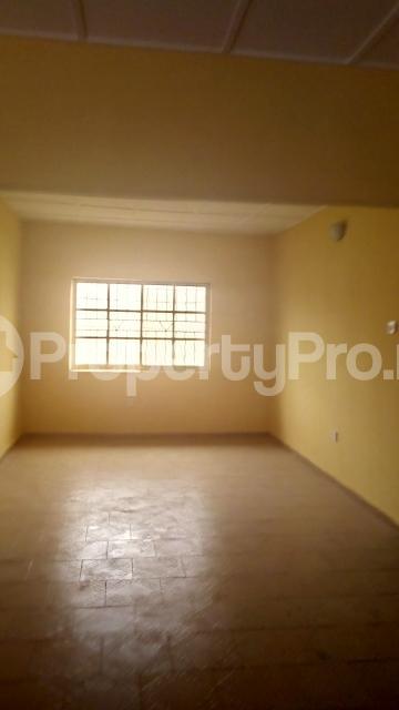 3 bedroom Flat / Apartment for rent chiveta avenue Ajao Estate Isolo Lagos - 3