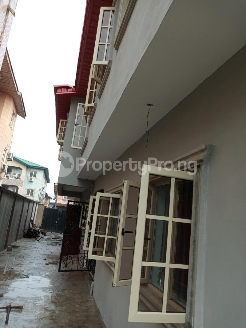 3 bedroom Blocks of Flats House for rent Alara St, onike Onike Yaba Lagos - 0
