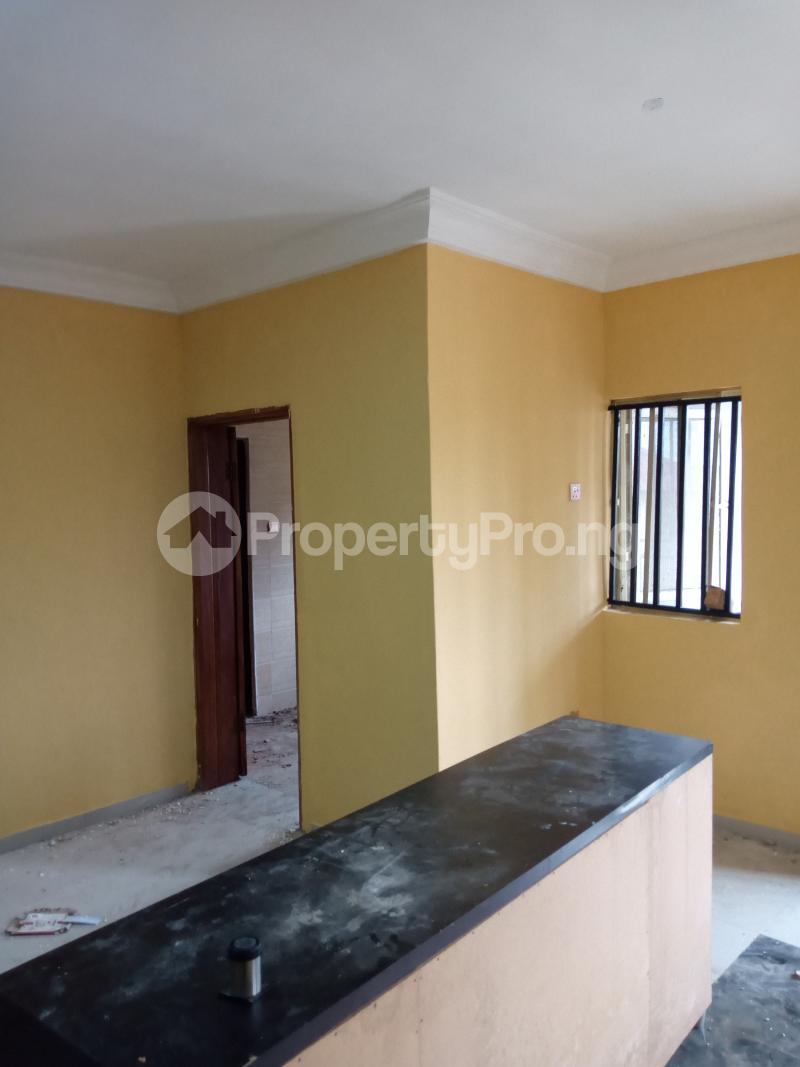 3 bedroom Blocks of Flats House for rent Cele Rainbow Akala Express Ibadan Oyo - 2