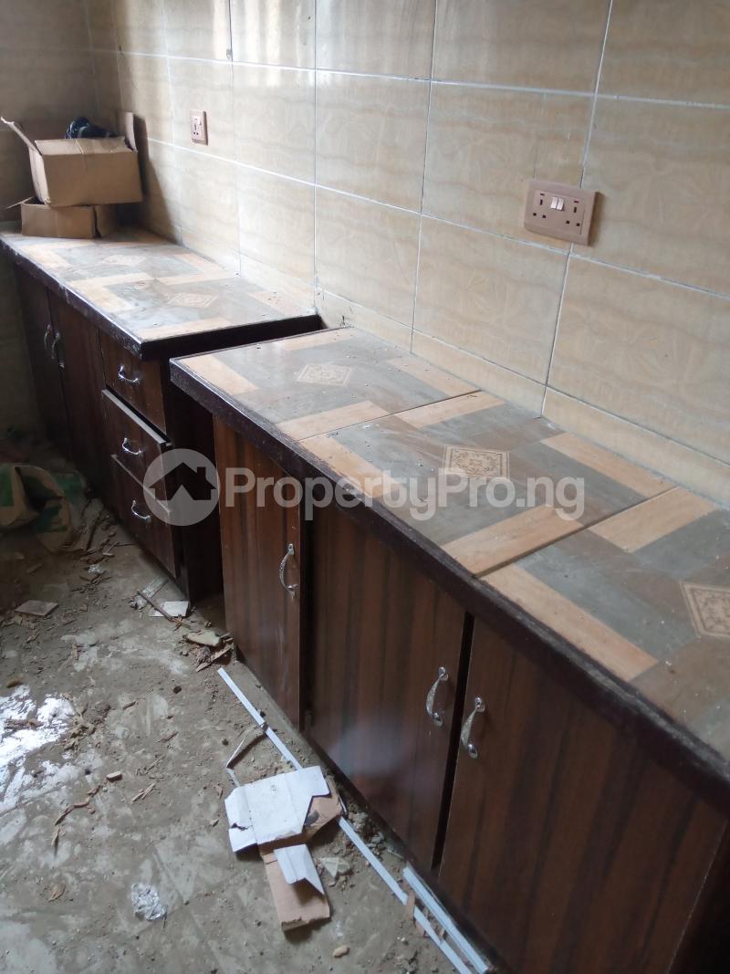 3 bedroom Blocks of Flats House for rent Cele Rainbow Akala Express Ibadan Oyo - 5