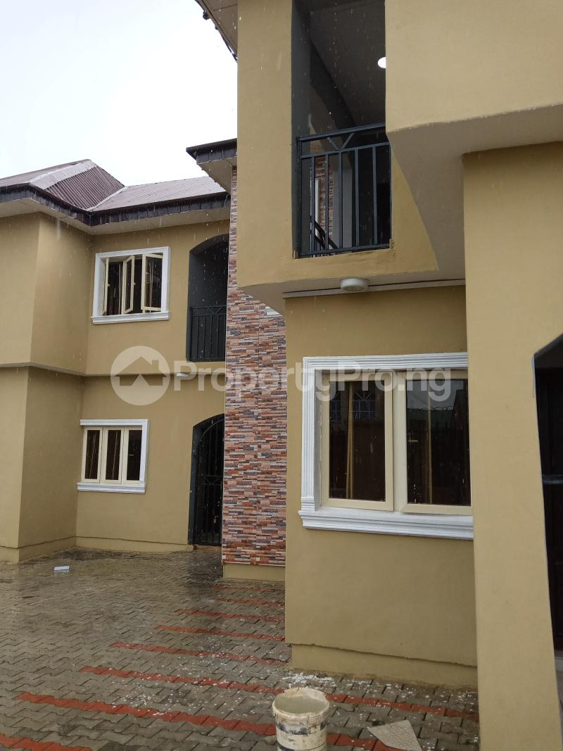 3 bedroom Blocks of Flats House for rent Cele Rainbow Akala Express Ibadan Oyo - 1