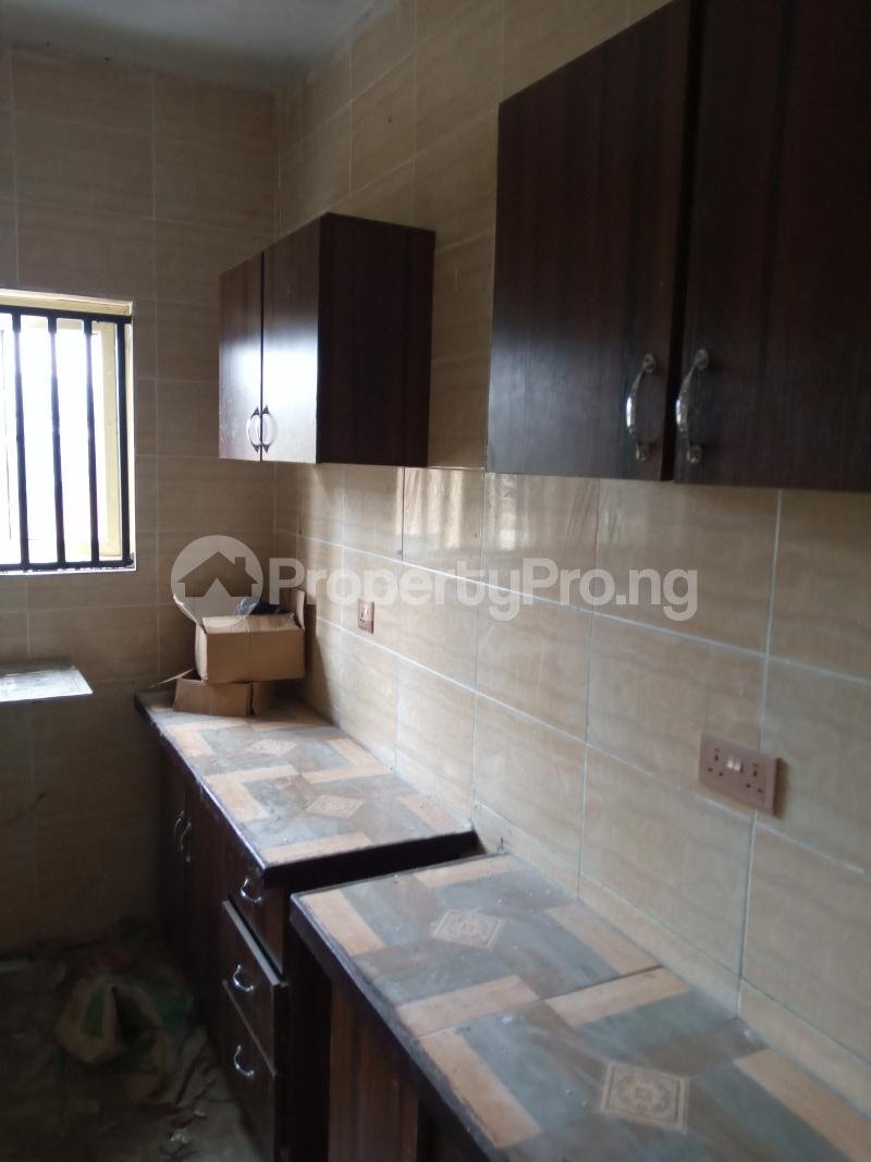 3 bedroom Blocks of Flats House for rent Cele Rainbow Akala Express Ibadan Oyo - 4