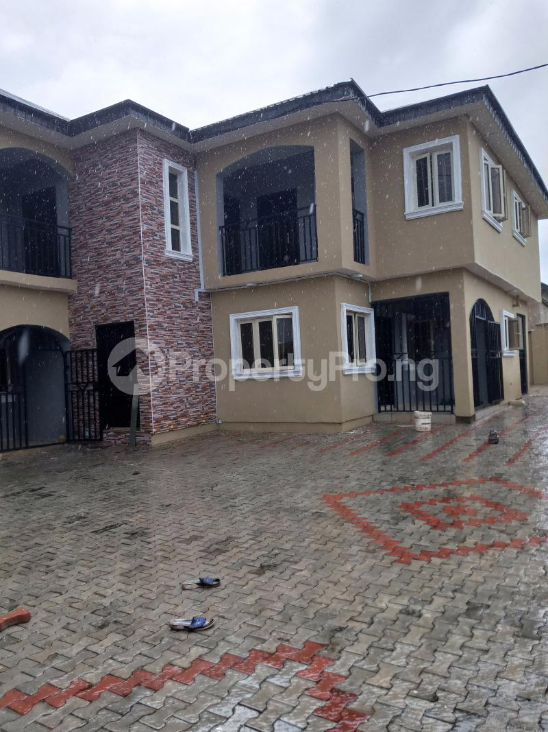 3 bedroom Blocks of Flats House for rent Cele Rainbow Akala Express Ibadan Oyo - 0