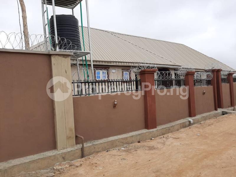 3 bedroom Semi Detached Bungalow for rent Alakia /adegbayi/nnpc Alakia Ibadan Oyo - 11