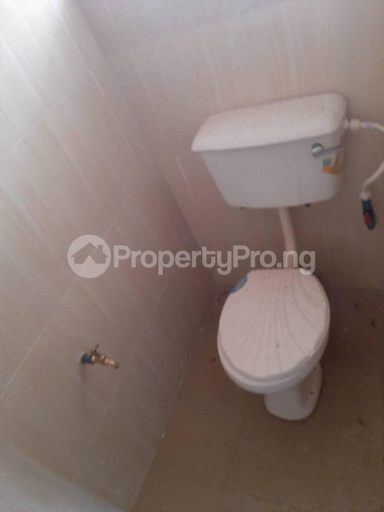 3 bedroom Semi Detached Bungalow for rent Alakia /adegbayi/nnpc Alakia Ibadan Oyo - 12