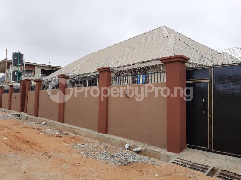 3 bedroom Semi Detached Bungalow for rent Alakia /adegbayi/nnpc Alakia Ibadan Oyo - 4