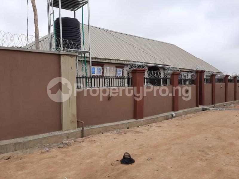 3 bedroom Semi Detached Bungalow for rent Alakia /adegbayi/nnpc Alakia Ibadan Oyo - 6