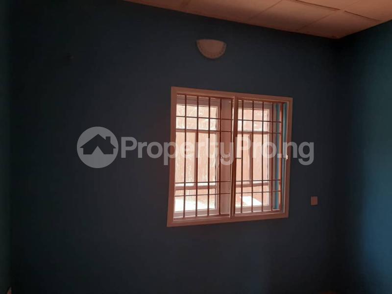 3 bedroom Semi Detached Bungalow for rent Alakia /adegbayi/nnpc Alakia Ibadan Oyo - 10
