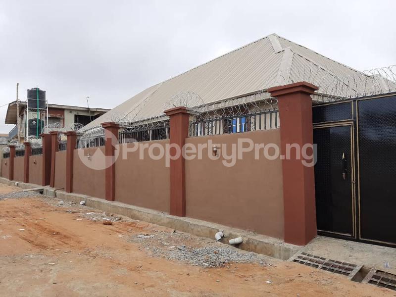 3 bedroom Semi Detached Bungalow for rent Alakia /adegbayi/nnpc Alakia Ibadan Oyo - 0