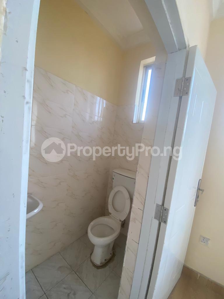 3 bedroom Blocks of Flats House for rent GRA Sabo  Yaba Lagos - 14