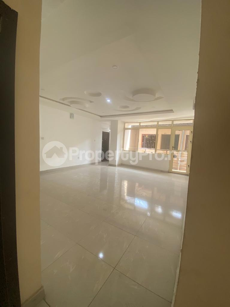 3 bedroom Blocks of Flats House for rent GRA Sabo  Yaba Lagos - 2
