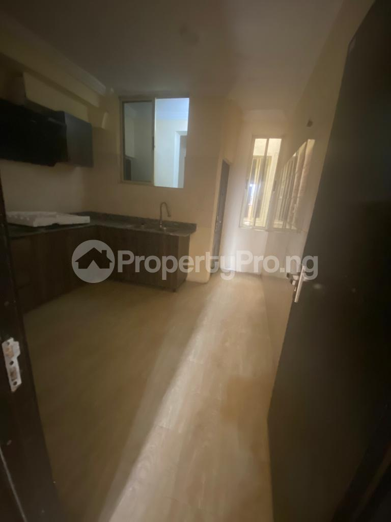 3 bedroom Blocks of Flats House for rent GRA Sabo  Yaba Lagos - 9