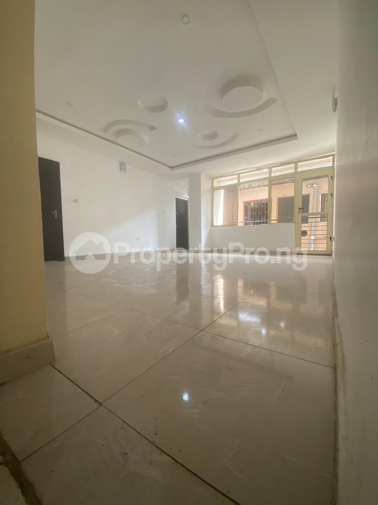 3 bedroom Blocks of Flats House for rent GRA Sabo  Yaba Lagos - 13