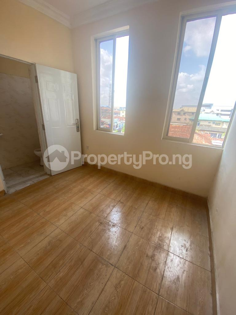 3 bedroom Blocks of Flats House for rent GRA Sabo  Yaba Lagos - 12