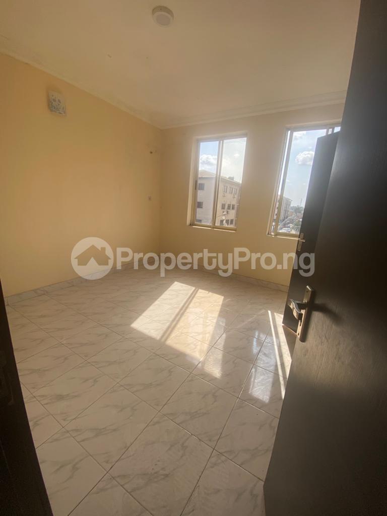3 bedroom Blocks of Flats House for rent GRA Sabo  Yaba Lagos - 3