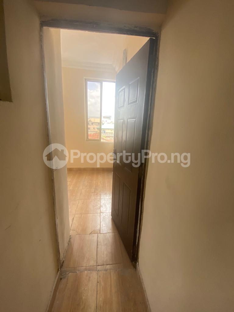 3 bedroom Blocks of Flats House for rent GRA Sabo  Yaba Lagos - 6