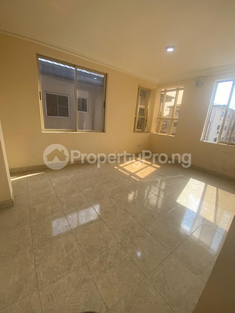 3 bedroom Blocks of Flats House for rent GRA Sabo  Yaba Lagos - 5