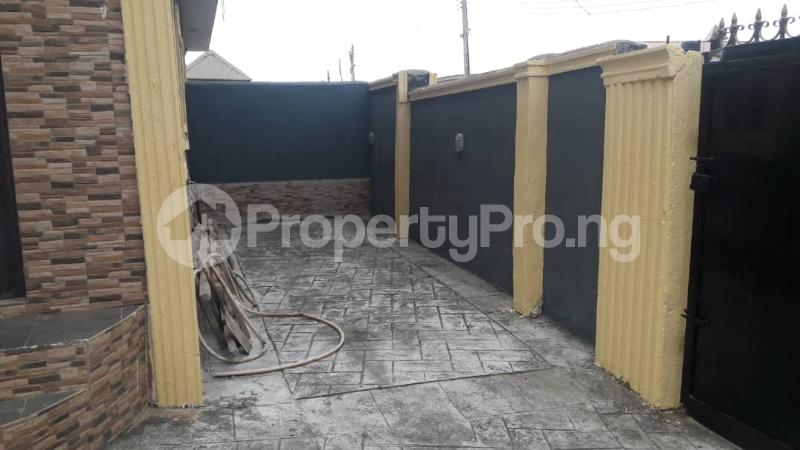 3 bedroom Semi Detached Duplex House for sale Magboro  Magboro Obafemi Owode Ogun - 5