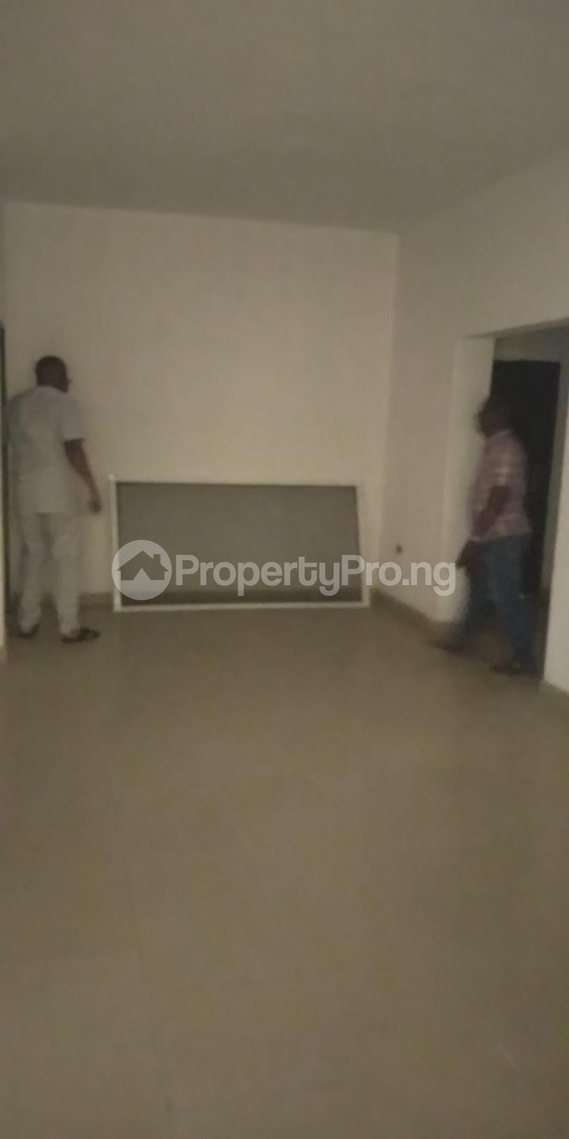 3 bedroom Flat / Apartment for sale Aje ologo road.mile 12 Alapere Kosofe/Ikosi Lagos - 5