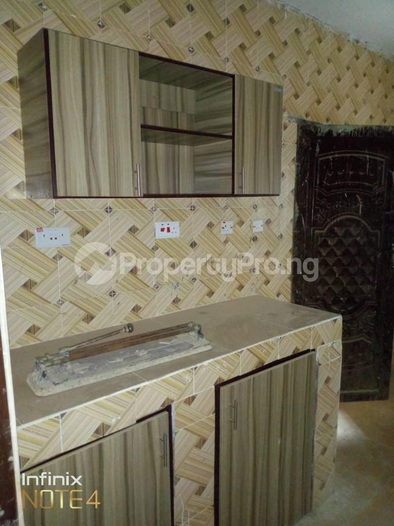 3 bedroom Blocks of Flats House for rent Elepe off Barracks Ojoo Ibadan  Ojoo Ibadan Oyo - 4